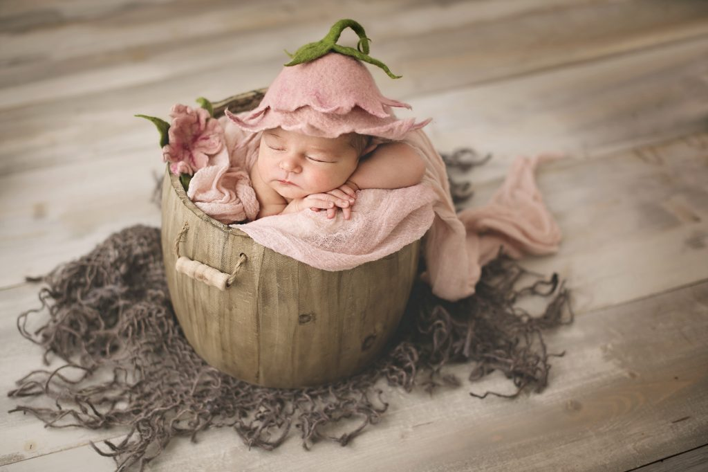 Newborn Photography by Photography By Lorna Knightingale