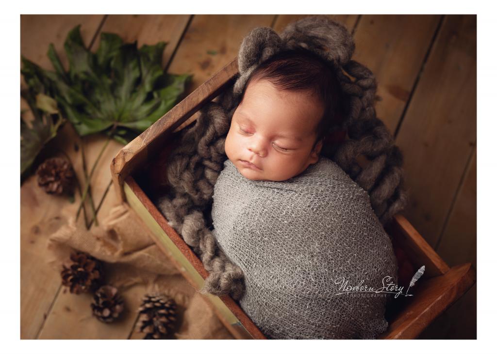Newborn Photography by Newborn Story Photography Ltd