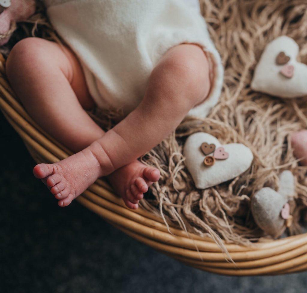 Newborn Photography by Wandering Wilson Creative Photography