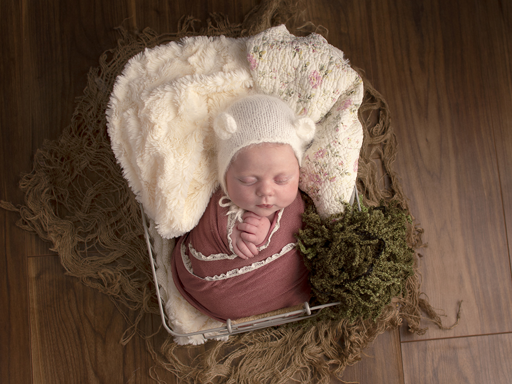 Newborn Photography by Bluebell and Lace Photography